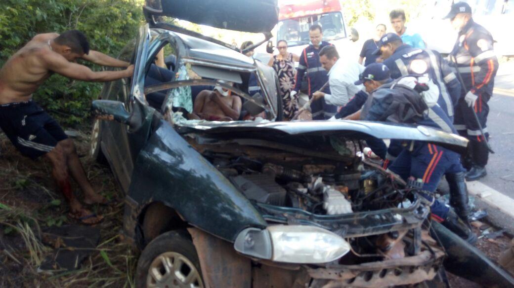 Barreiras grave acidente na br 135 deixa 3 pessoas for Blog mural do oeste